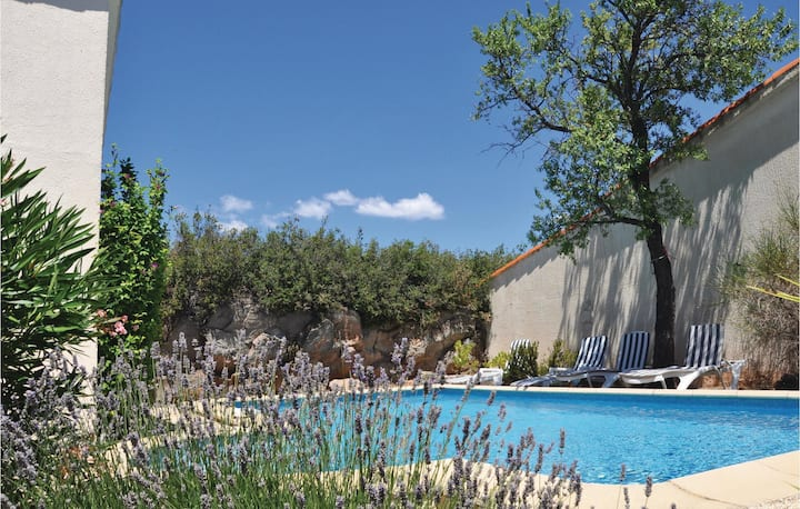 Beautiful home in Poulozs-Minervois with Outdoor swimming pool, WiFi and Outdoor swimming pool