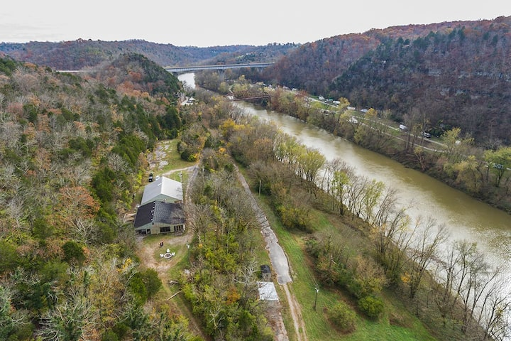 Rural Kentucky River Palisades Cabin/Past Distilry