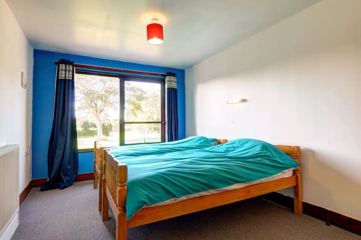 Lunan Bay Stays - Bunkhouse Private Twin Room