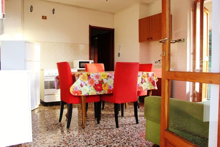 JMLUNAHOMEHOLIDAYS - Ortanella - Apartmen