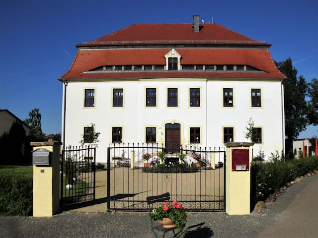Herrenhaus Kunzwerda bei Torgau
