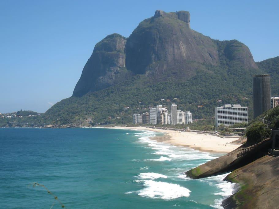 Vista da praia de São Conrado