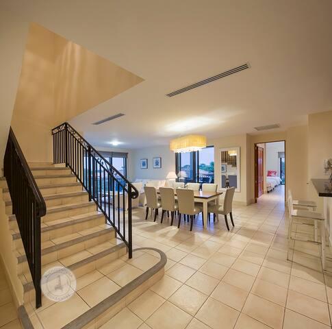 OFFICIAL Buenaventura Rentals: Beach Apartment in Paseo de las Casas, Buenaventura, Panama's Pacific