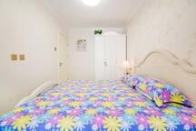 北戴河鸽子窝附近豪华两室精装修(有地暖,有暖气)