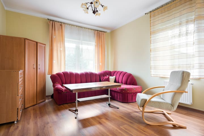 Cosy room in Cracow, Near airport - Kraków - Huis