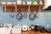 Kitchen is also featured on the ground floor. 1階にはご自由にお使い頂けるキッチンもございます。