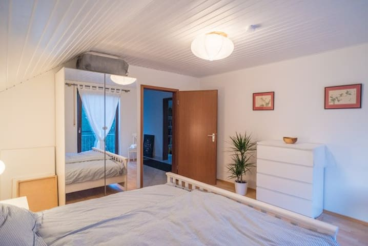 Comfy double bedroom in quiet residential area.