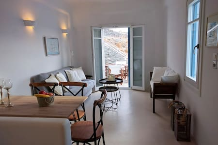 Beach Front House At Potamia, Kythnos Island