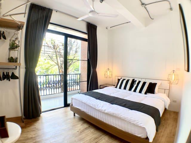 1st bedroom got King bed, hanging, private bathroom and regular terrace,