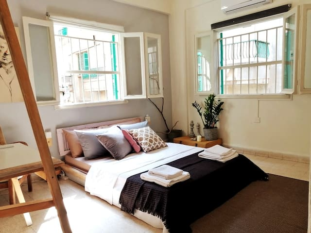 1 BDRM (A) in a Zen Two Bedroom Apartment