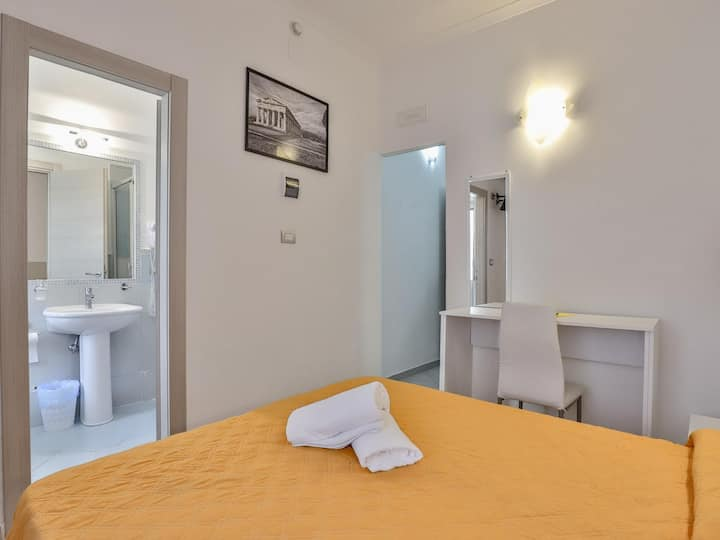 Room in hotel in Paestum 50 meters from the beach ID 3867