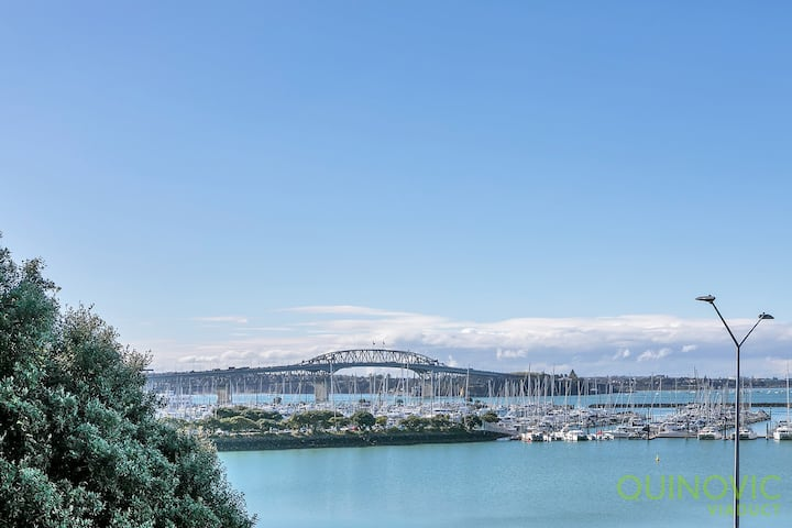 QV City Sea View Apartment - (822)