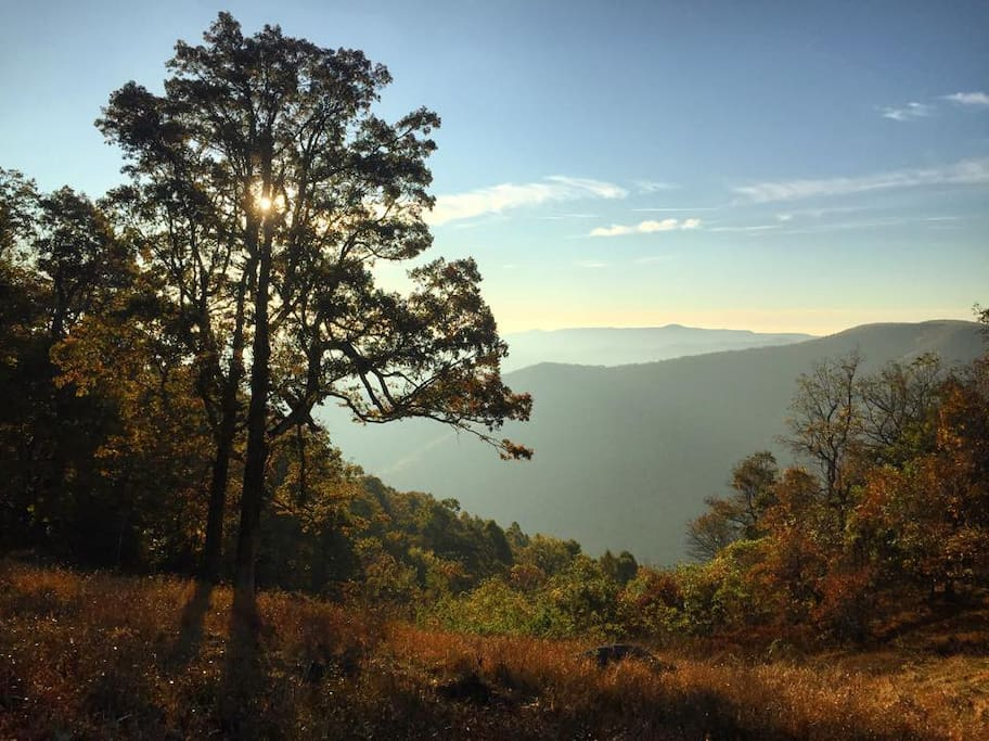 Easy access to The Blue Ridge Parkway. 2 Miles from the house. This view is off the Parkway.