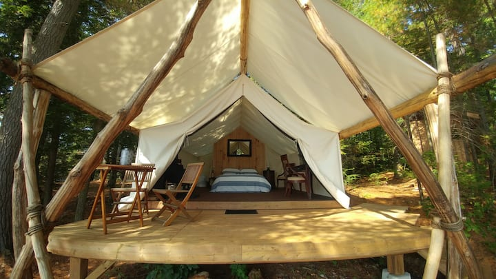 Muskoka water front Romantic, Adventure Glamping 1