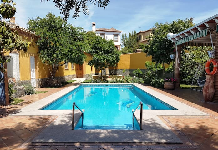 Holiday cottage with pool just 5 min Granada