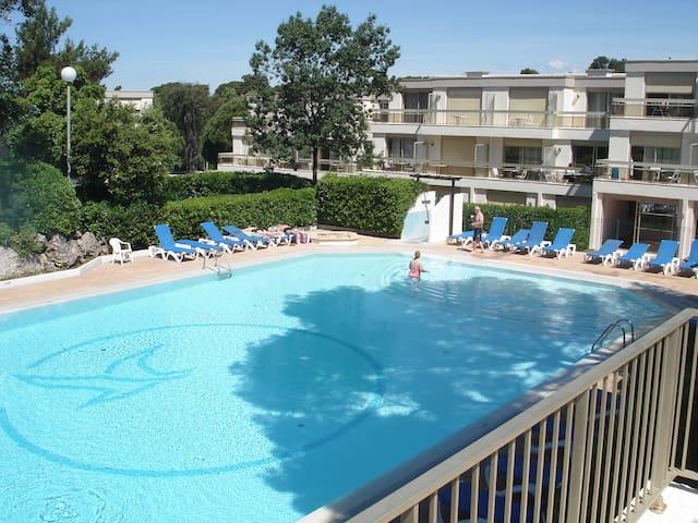 Duplex 55 m² tout rénové dans résidence verdoyante - Saint-Raphaël - Condo