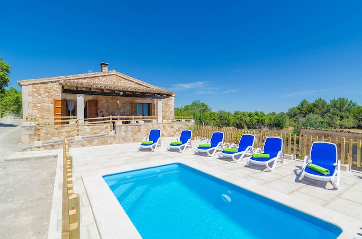 S'ARESTA DEN RUMBET - Villa with private pool in LLUCMAJOR.