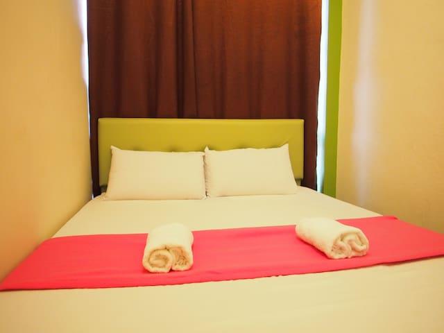 SunnySide Queen Room #1
