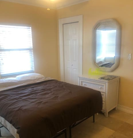 GREAT PRICE AND GREAT PLACE AT CORAL GABLES