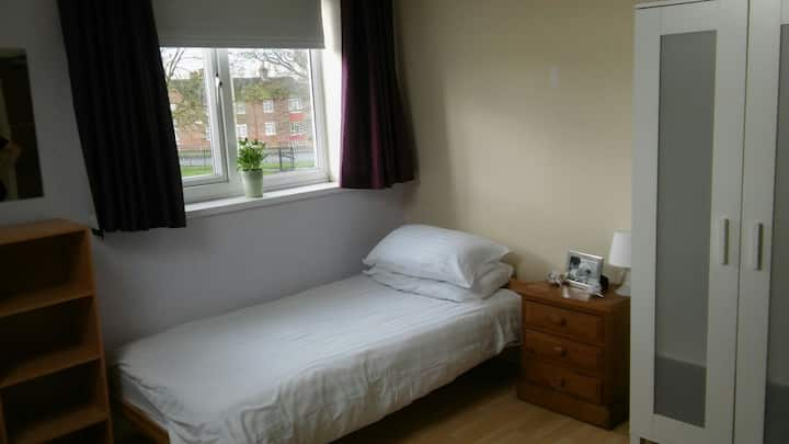 Single Room in Kirkby Merseyside