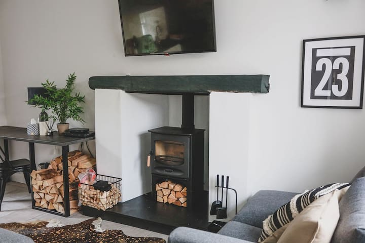 Rhum: comfy, dog friendly cottage in the East Neuk