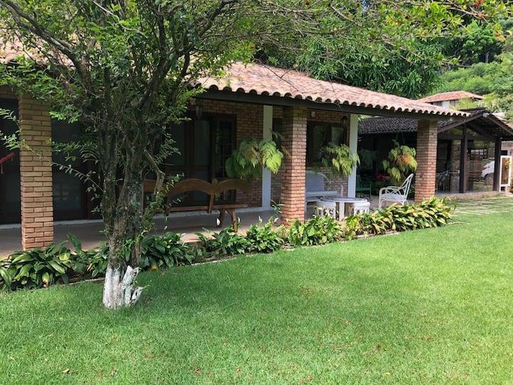 Suíte Acerola em Vila charmosa ao lado  do YCI