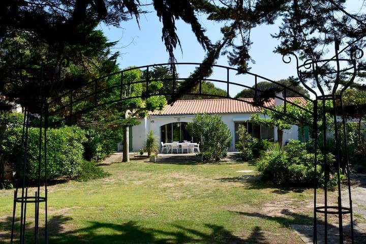 Villa beachfront - ILE DE RE - Sainte-Marie-de-Ré - Villa