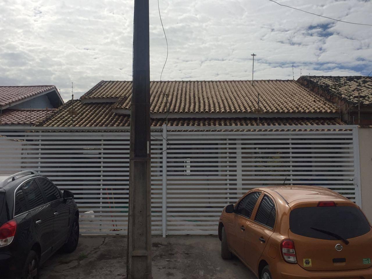 Casa térrea - Garagem para 3 carros