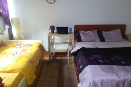 Comfortable family-style room in TTDI - Kuala Lumpur