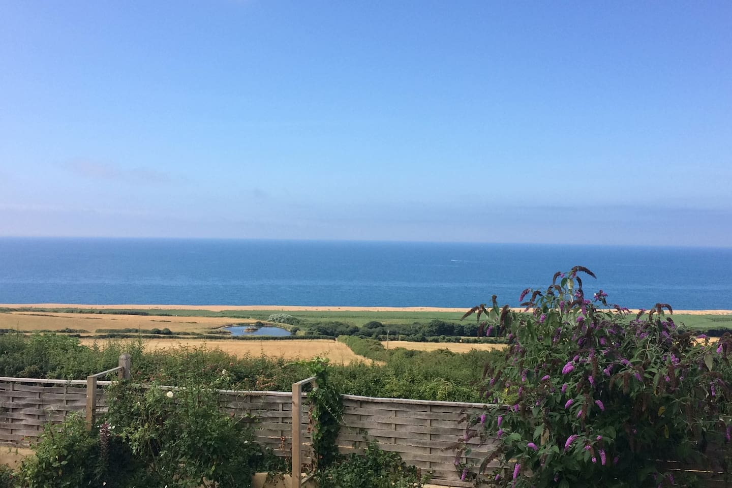 Views of the Chesil Beach from your room. A ten minute walk down to the beach and the South West Coast Path.