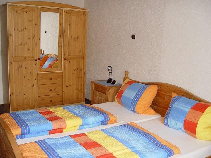 Landhaus Fehrenbach, (Schönwald), Ferienwohnung mit ca. 90qm, 1 Schlafraum, 1 Wohn-/Schlafraum, für maximal 4 Personen