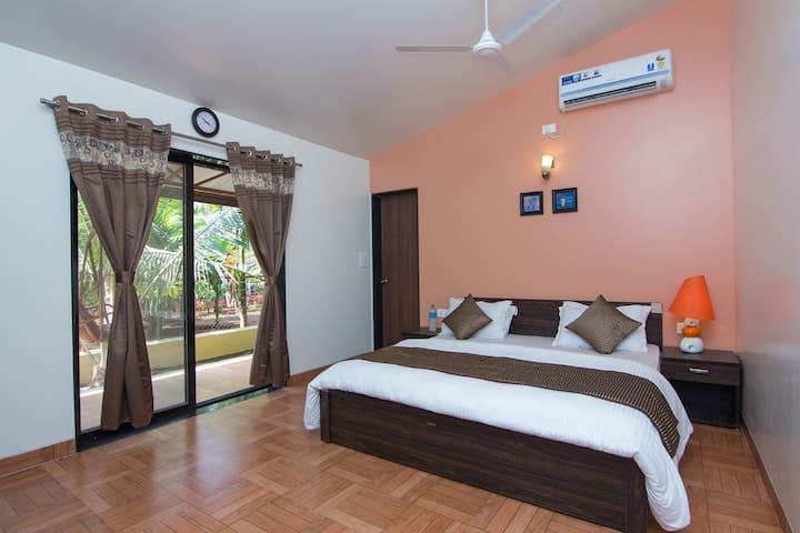 Super Deluxe Room With Pool in  Resort - Alibaug