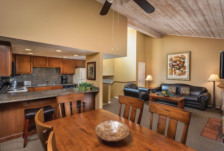 WYNDHAM FLAGSTAFF RESORT 2 BEDROOM LOFT STYLE SUITE ✦ A 2,200-acre retreat in the mountains of Arizona