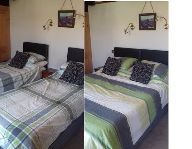 Large double/ twin room