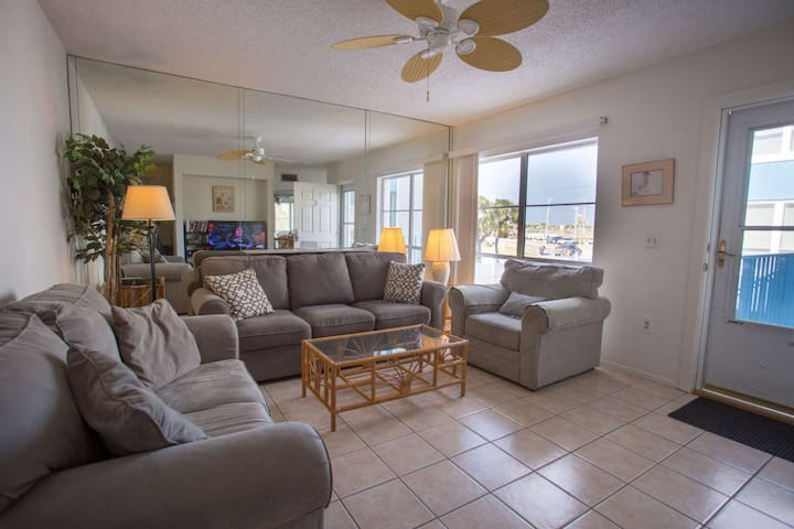 On a Budget? Affordable Spacious Two-Level Condo, Walk to Beach Access, Shops/Dining-Community Pool