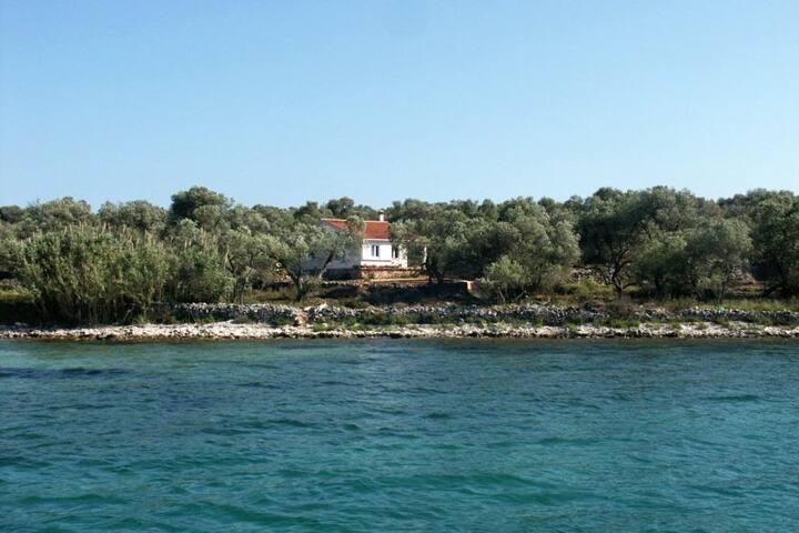 Casa di quattro stanze vicino alla spiaggia Krknata (Isola Lunga - Dugi otok) (K-397)