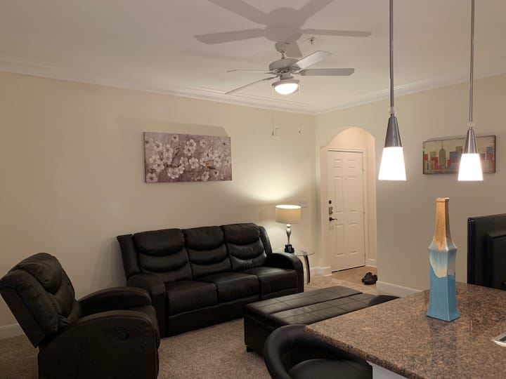 Spacious Furnished Apartment near Kemah Boardwalk**