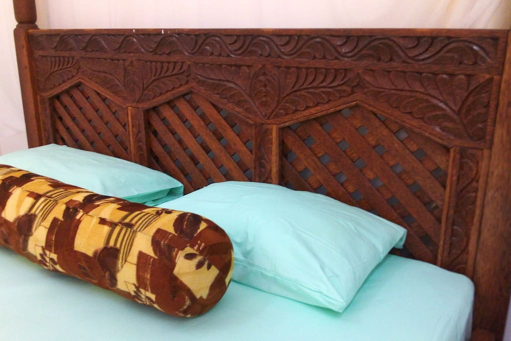 Coconut tree double bed