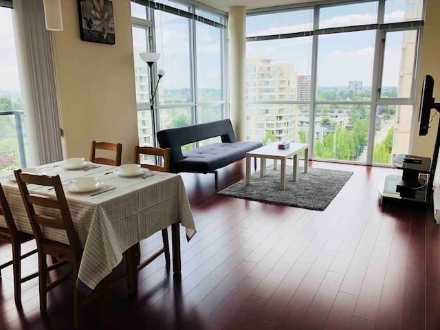 Great location2Br&2Bt at Richmond center