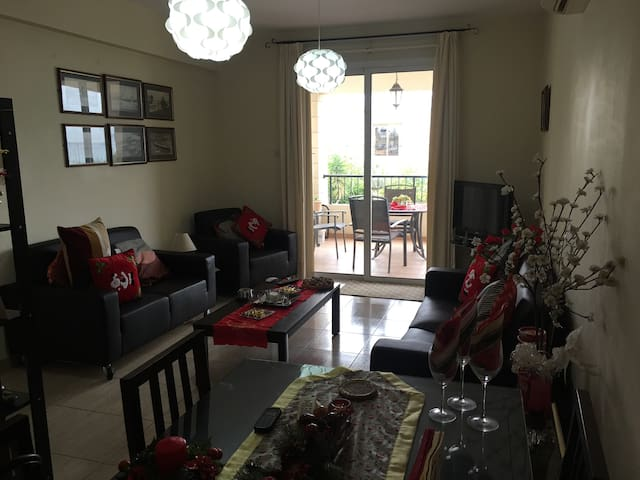 Larnaca 2bed flat for 6 people ,100m from the sea