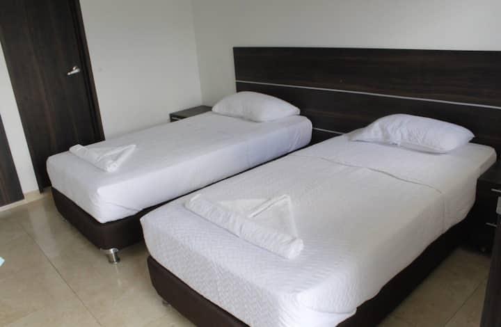 Estadía habitación doble cama sencilla - Riohacha