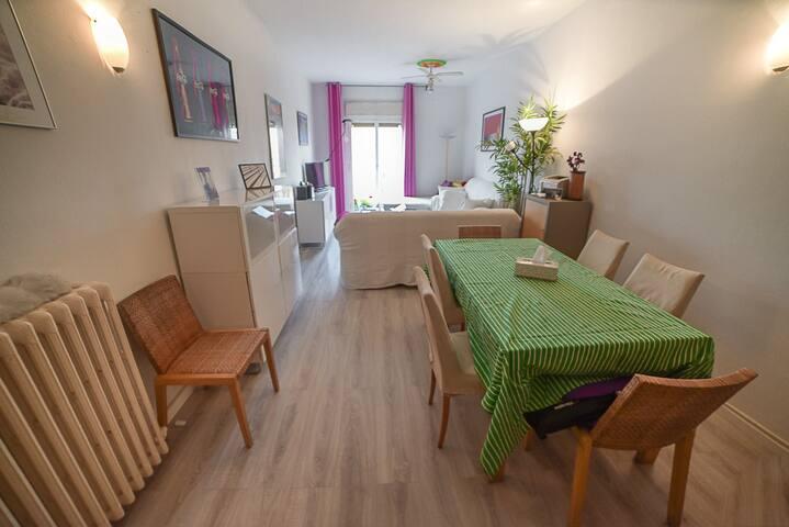 Single Room near Ramblas, Breakfast