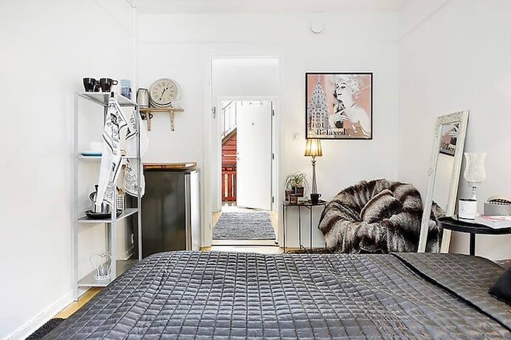 Centralt boende i sommarstaden Båstad - Båstad - Apartment
