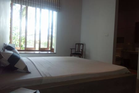 Private wing of lake front villa ( Room 2) - Sri Jayawardenepura Kotte