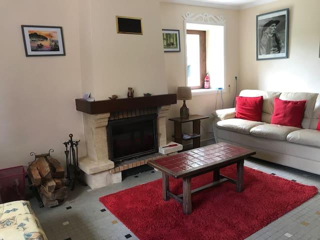 Salle / Sitting Room