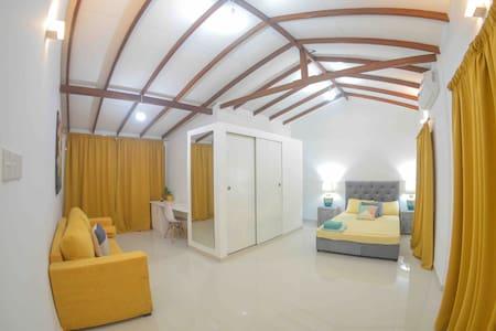 Orange Tree House~AC Room+Hot water~Good location