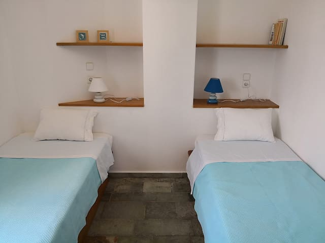 Second Room (2 single beds)