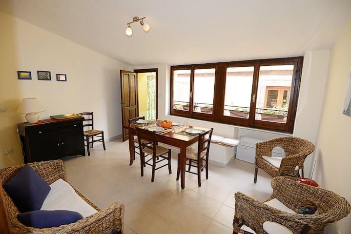 Maddalena Apartment Bosa, light and comfortable
