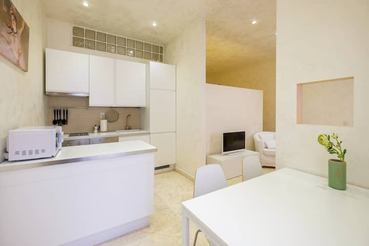 White apartment in Duomo