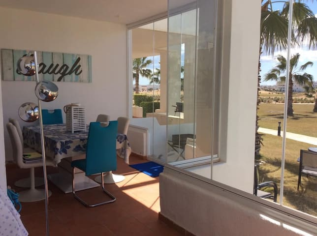 2 bed Holiday Apartment on Golf estate with wifi